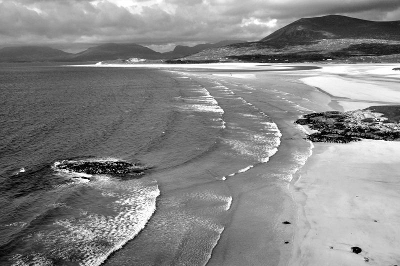 Harris. Luskentyre beach. Seascape. Black and white